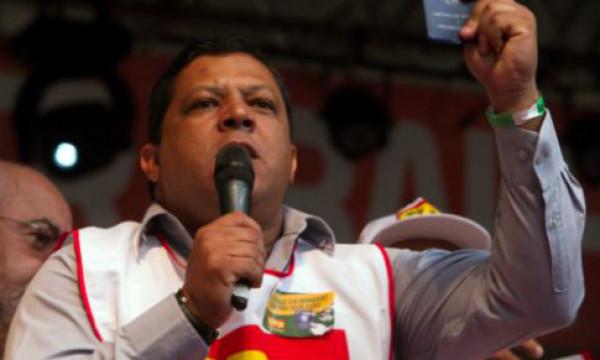 Irresponsabilidade de Bolsonaro é o maior risco à saúde pública no Brasil