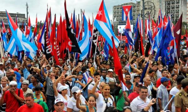 Revolução cubana resiste aos ataques do Império