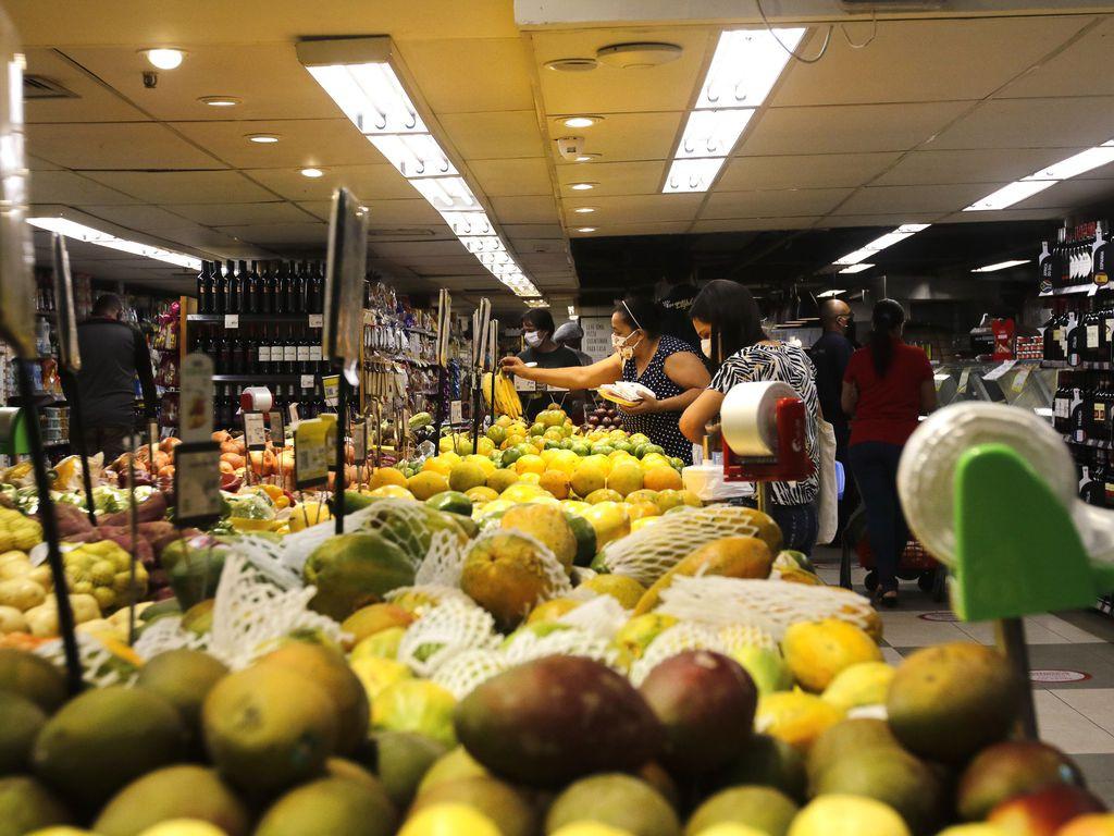 Inflação cresce em 2020 e é a maior em 4 anos; alimentos puxam a alta