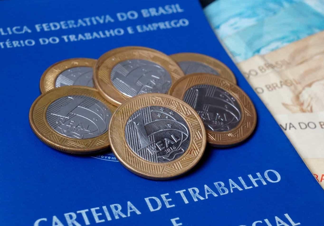 Com Bolsonaro no poder, Brasil tem o pior salário mínimo em 16 anos