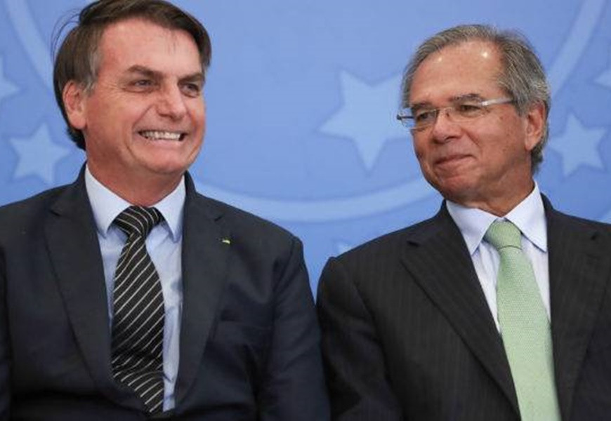 Bolsonaro e Guedes chantageiam Congresso com novo arrocho para continuidade do auxílio emergencial