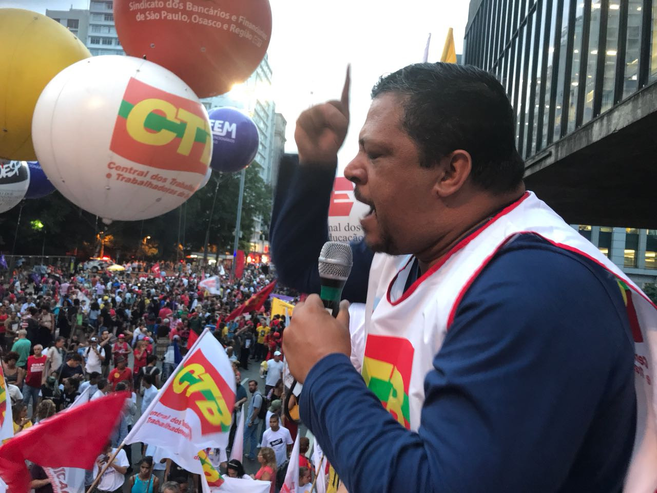 CTB rejeita corte de salários proposto pelo governo Bolsonaro