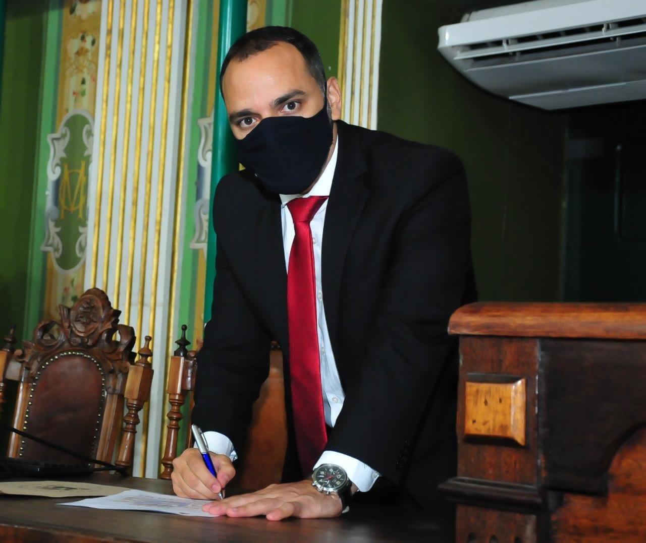 Vereador Augusto Vasconcelos cria projeto de lei para isentar microempresas e empresas de pequeno porte do IPTU durante pandemia