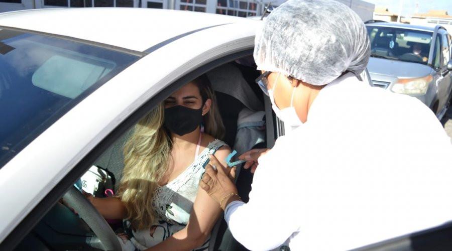 Mais de 20 postos imunizam bancários em Salvador