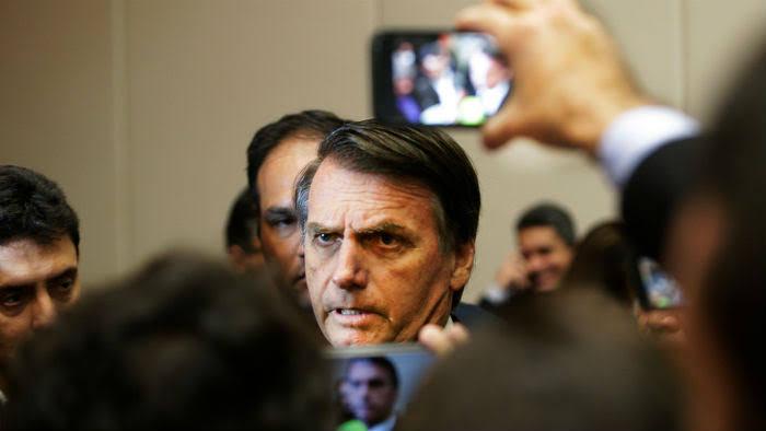 Reprovação de Bolsonaro sobe a 38%, segundo Datafolha